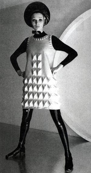 Pierre Cardin - Cardine - robe en fibre dynel moulés - 1967